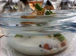 Det lokala köket är så närproducerat det bara kan bli på en ö. Tänk Frankrike möter Italien.