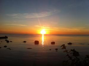 Gotländsk solnedgång - efter kanelbulle-safari på Fårö.