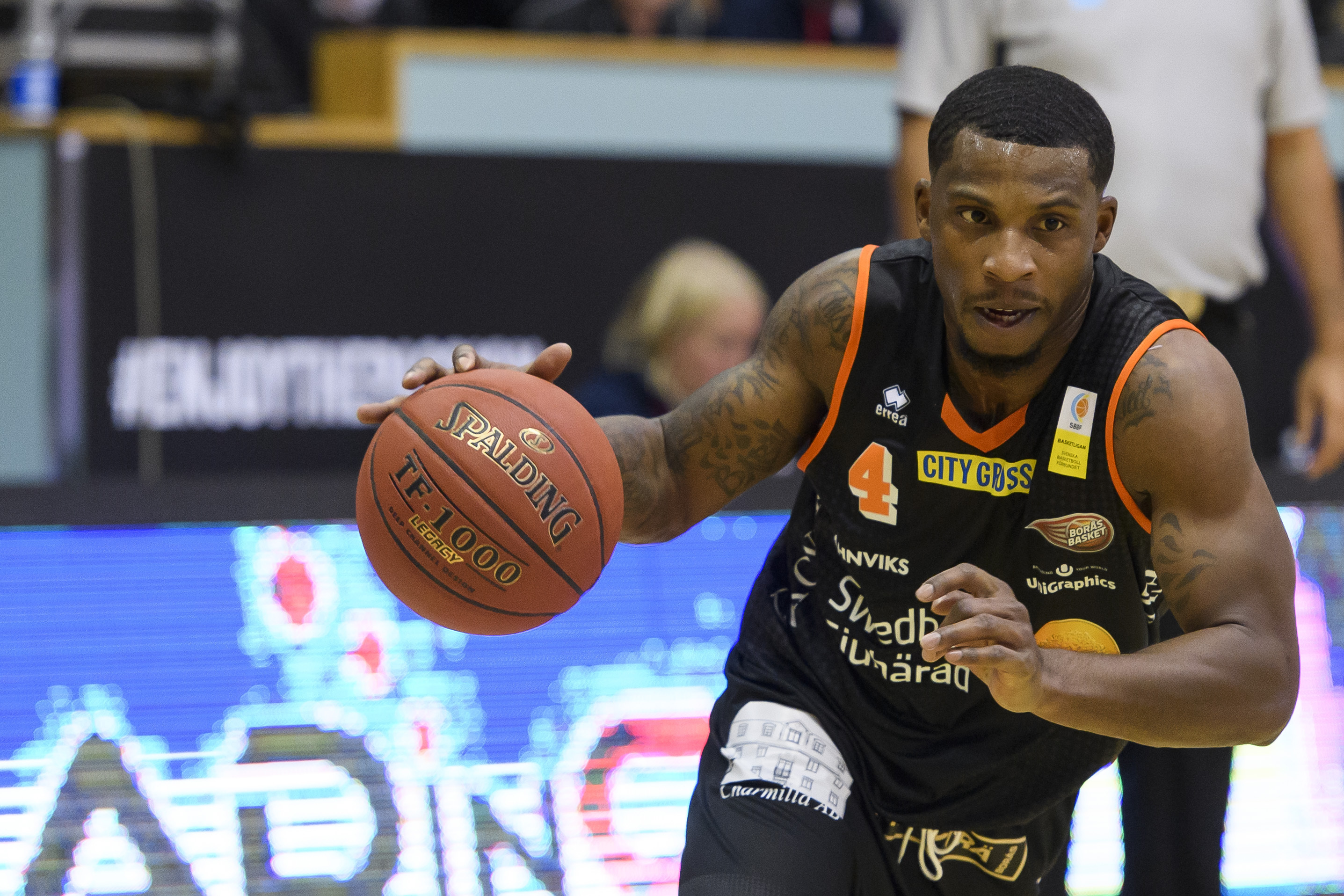 161006 BorŒs James Washington under basketmatchen i Basketligan mellan BorŒs och JŠmtland den 6 oktober 2016 i BorŒs. Foto: J…RGEN JARNBERGER / BILDBYRN / Cop 112