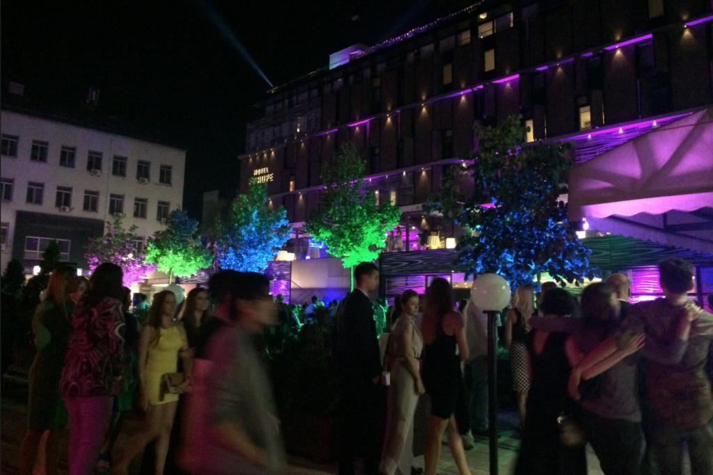 Invigningsfest på lyxiga Hotel Europa.