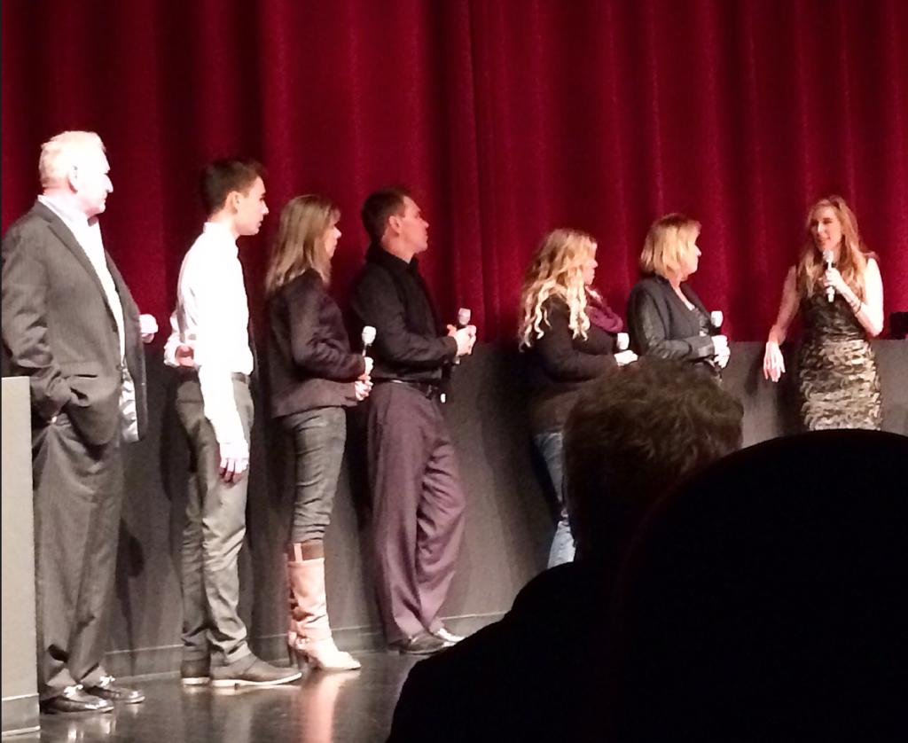 """Premiären av """"An open secret"""" på DOC NYC. Regissören Amy Berg längst till höger. Evan H och hans mamma (tvåa och trea från vänster) fick barnmanagern Marty Weiss fälld i rätten."""