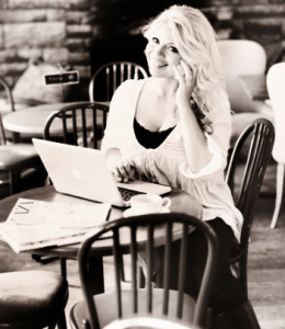 Skriver bäst texter på café