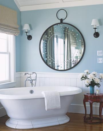 badrum, lightblue, ljusblått, spegel, mirror, bathtub, badkar