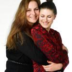 Andrea och mamma Ingrid, som satt med under intervjun, står varandra väldigt nära – hon var en av dem som stöttade Andrea när det stormade som mest i media.