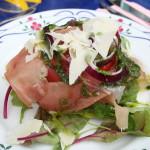 Och så här gott blev det! Till förrätt serverades grillad tomat med parmachips.