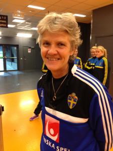 Pia Sundhage inför en träning på Friends Arena.