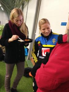 Annica Svensson (t h) i sällsskap med Linda Sembrant.