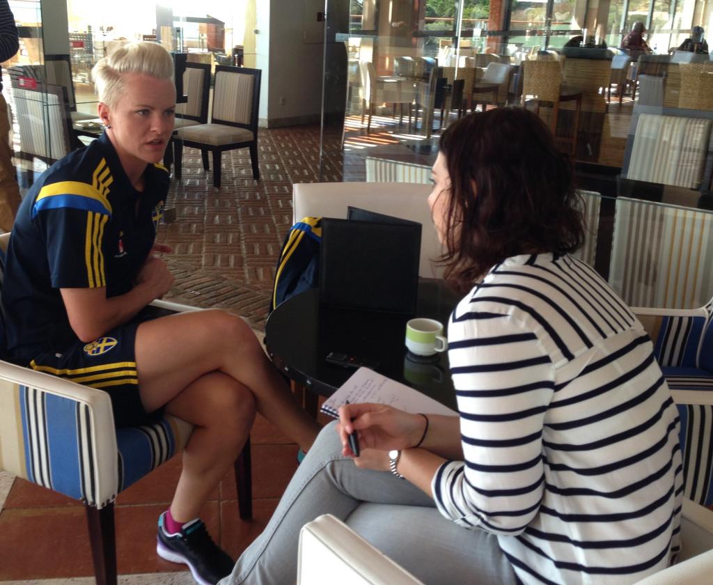 Nilla Fischer intervjuas av TT:s Emma Lukins.
