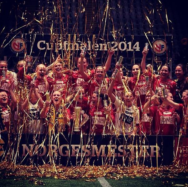 Lilleströms lag jublar efter cupguldet. (Foto:Löwenius Instagram)