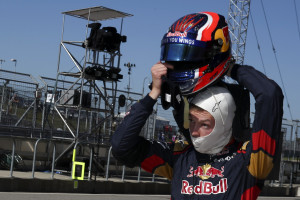 Formula One F1 - U.S. Grand Prix - Circuit of the Americas, Austin, Texas, U.S., 22/10/16. Toro Rosso's Daniil Kvyat of Russia takes off his helmet in pit lane as he participates in the third practice session. REUTERS/Adrees Latif