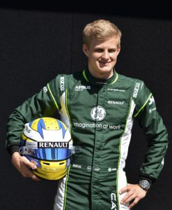 Melbourne 2014-03-13 Caterham driver Marcus Ericsson of Sweden holds his helmet as he poses for a drivers portrait ahead of the Australian Formula One Grand Prix at Albert Park in Melbourne, Australia, Thursday, March 13, 2014. (AP Photo/Rob Griffith) Photo: Rob Griffith / AP / TT / kod 436