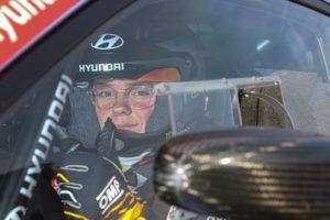 Oliver Solberg kör WRC i Safari Rallyt