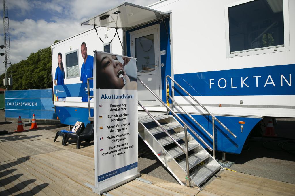Mobil tandvård, Folktandvårdens buss står på Heden även under fredagen. Foto: Anders Deros