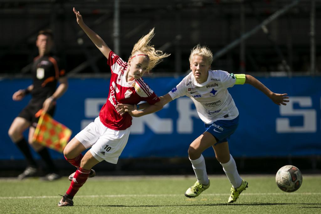 Matchhjälten. Madeleine MåŒrtensson gjorde båda målen i semifinalsegern. Foto: Anders Deros