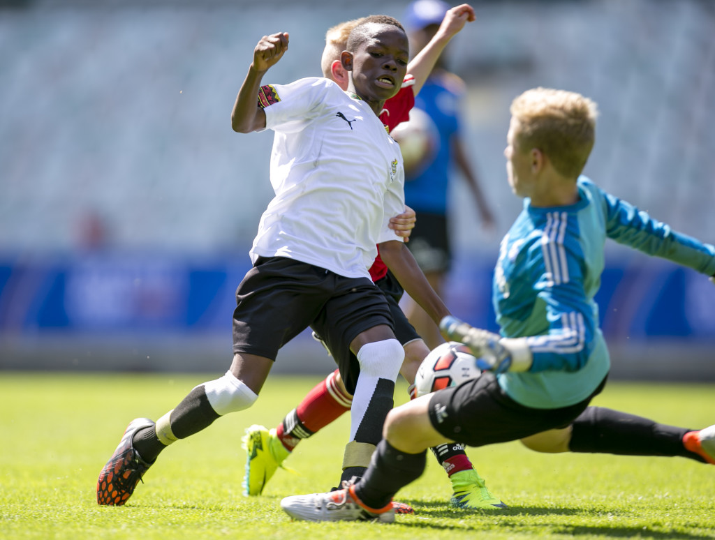Jämn final. Lizzy FC från Ghana vann till slut på straffar. Foto: Anders Deros