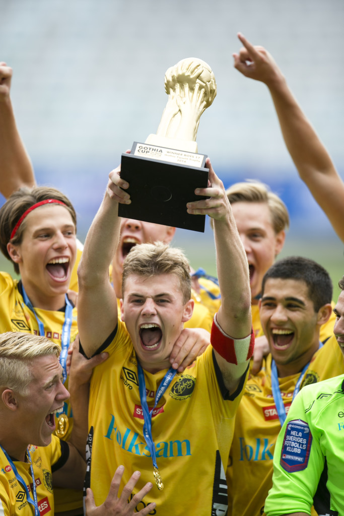 Segerjubel. Elfsborg mästare i Gothia Cups elitklass. Foto: Anders Deros