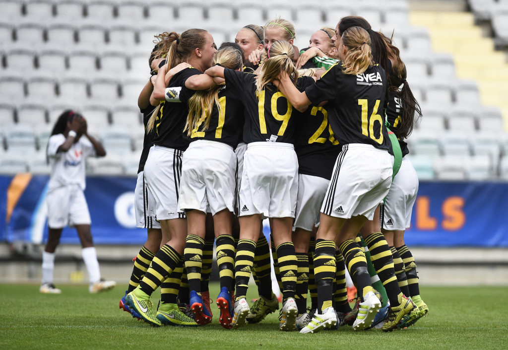 Guldglädje. AIK-tjejerna har varit i final tre år i rad. Foto: Tommy Holl