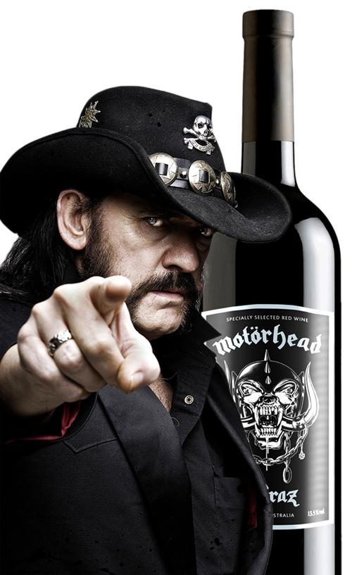 Lemmy med vin.