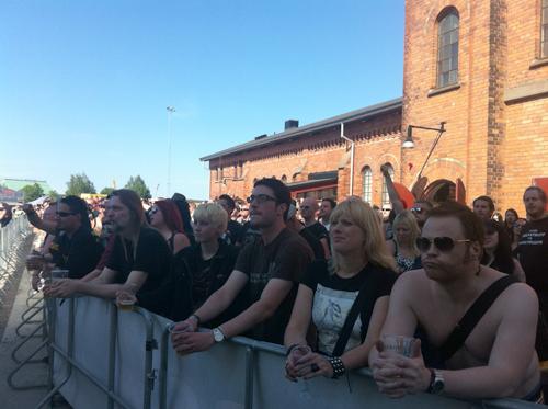 Ölområdet är ett populärt ställe att kolla konserter ifrån, tydligen.