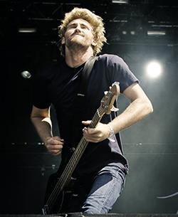 Basisten Jia O'Connor.