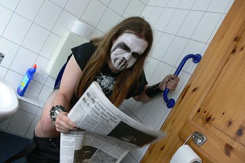 Necrosodomic Arsevolcano hittade en skitbra artikel i tidningen.