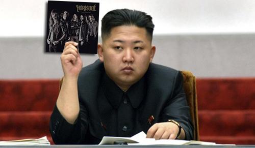 Kim Jong Un säger: Här har ni en rackare att lyssna på.
