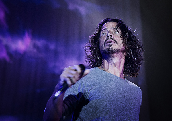 Soundgardens frontman Chris Cornell vid bandets senaste Sverigegig, på Hovet i Stockholm i september förra året. Foto: Anna Tärnhuvud
