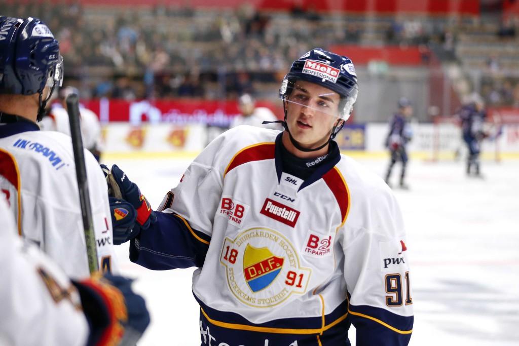 Daniel Bernhardt, från Djurgården till Västerås, är en av 27 spelare som lånats ut från SHL till allsvenskan. Foto: Bildbyrån.