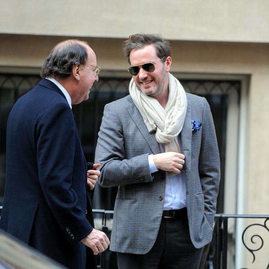 Chris på väg till lunchen med kungaparet.