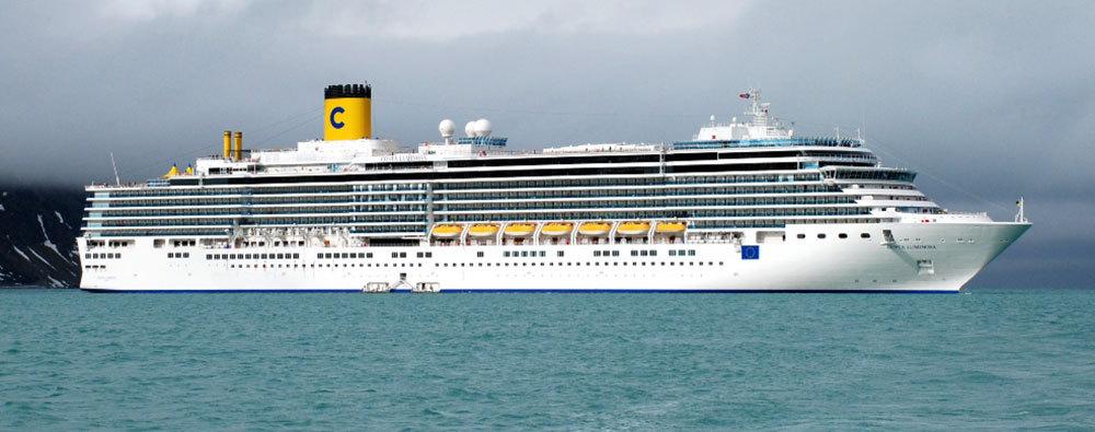 Costa Luminosa hade premiär 2008 och ar drygt 2000 gäster. Foto: jpta/Wikimedia Commons