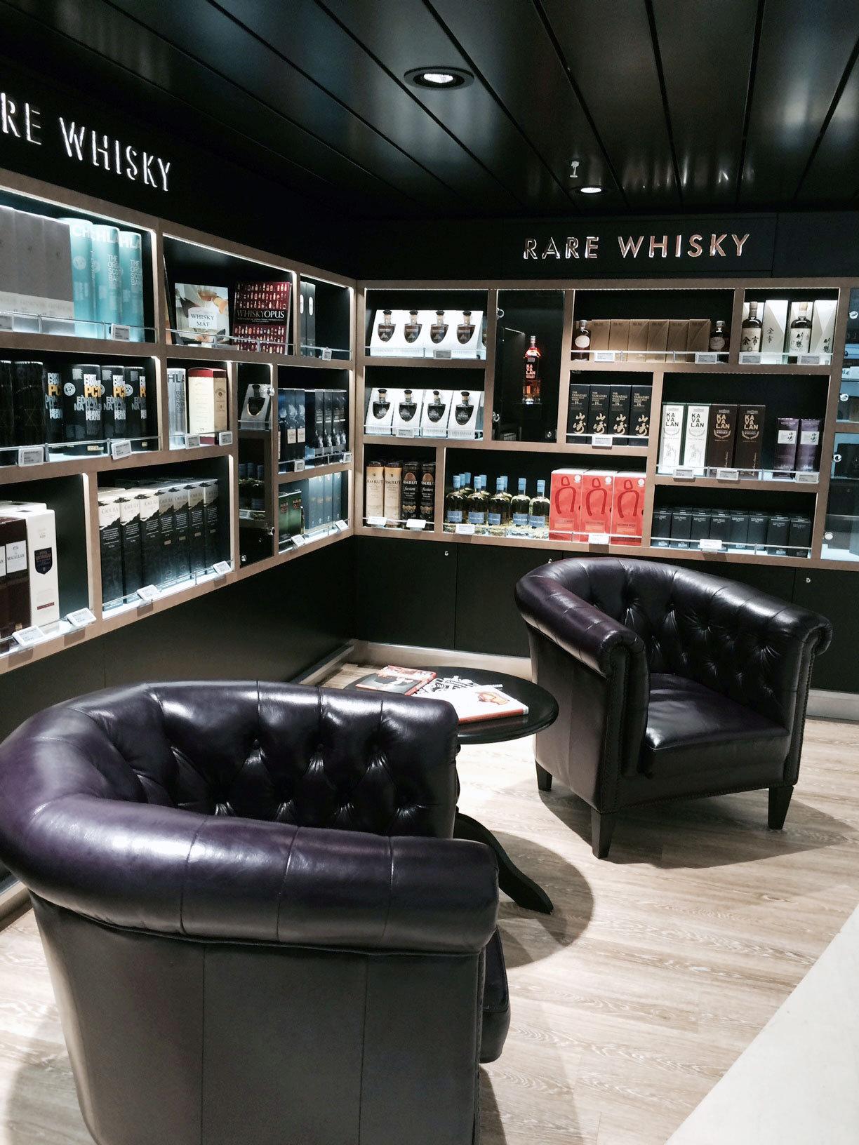 Whisky säljer allt bättre i taxfreebutiken, som nu är på 1000 kvadratmeter.