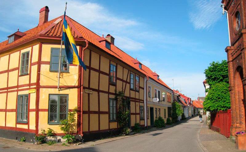 Gå i Kurt Wallanders fotspår i Ystad. Foto: Birka Cruises