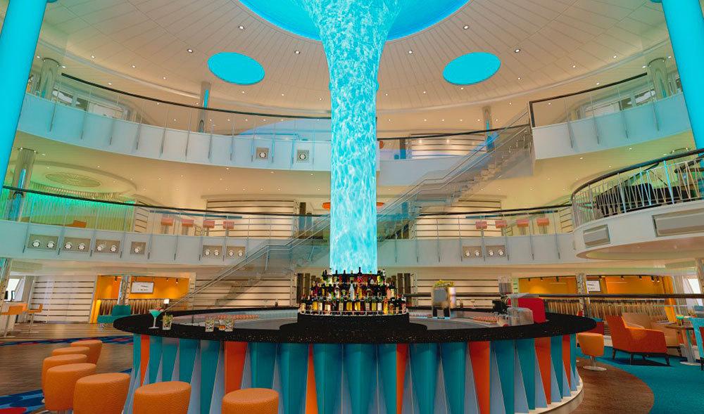 Fartygets atrium. Foto: Carnival Cruises
