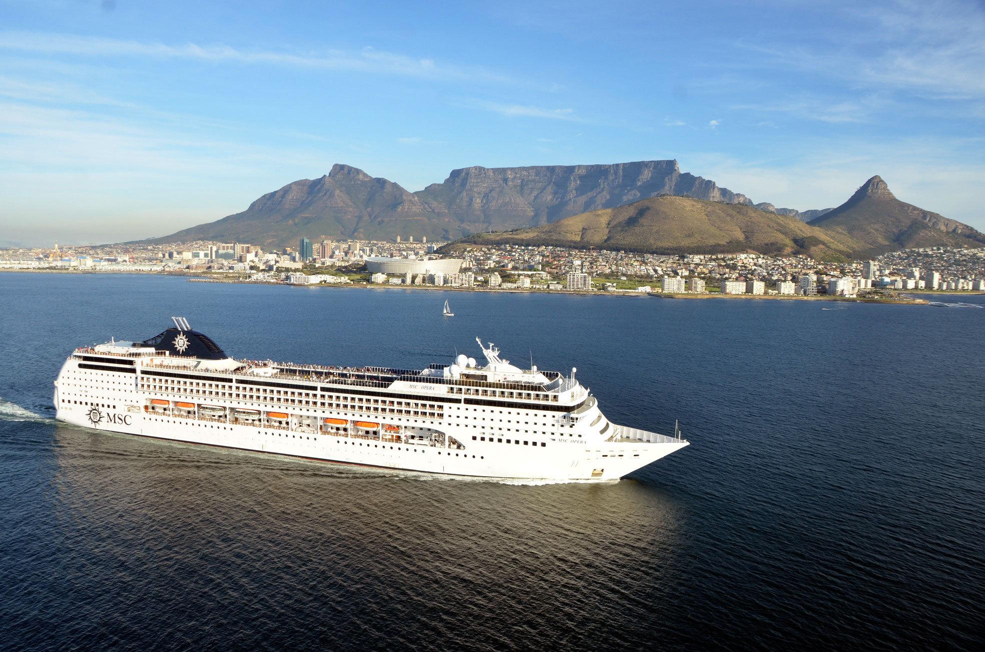 MSC Opera är ett medelstort fartyg på 66000 bruttoton. Foto: MSC Cruises