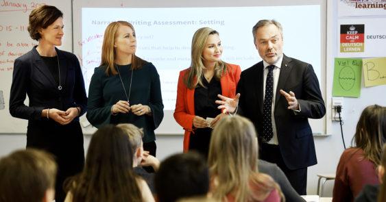 När de borgerliga partierna i januari presenterade sin syn på välfärdsvinsterna valde de att göra det på internationella engelska skolan i Uppsala
