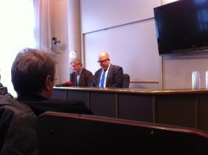 Två trötta förhandlare. LO:s ordförande Karl-Petter Thorwaldsson och avtalssekreterare Torbjörn Johansson i eftermiddags