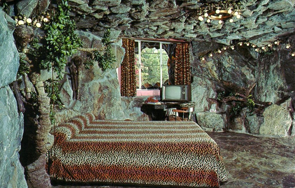 madonna_inn_room137_cave_man_room_san_luis_obispo_CA