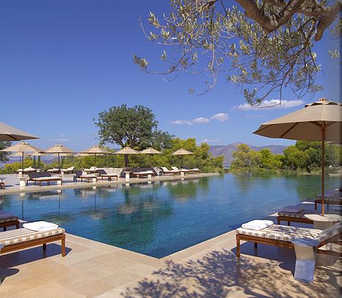 zoe_swimming_pool_loungers_D_alb