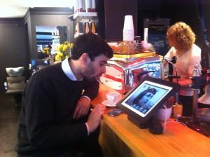 Rött te-espresson fick godkänt - även av min italienska vän.