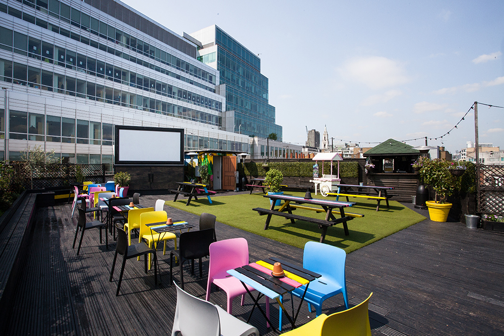 Den färgsprakande takterrassen, mellan Shoreditch och bankkvarteren i City. Foto: Ben Cole