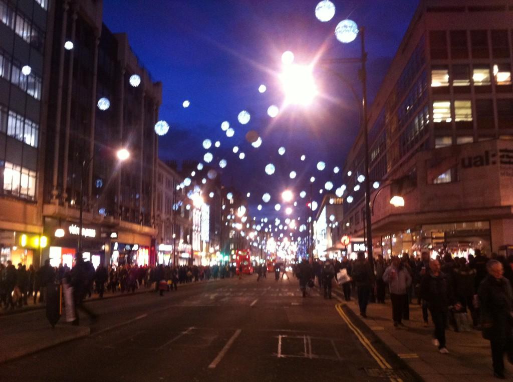 Oxford Street innan julhandeln - att älska eller hata.