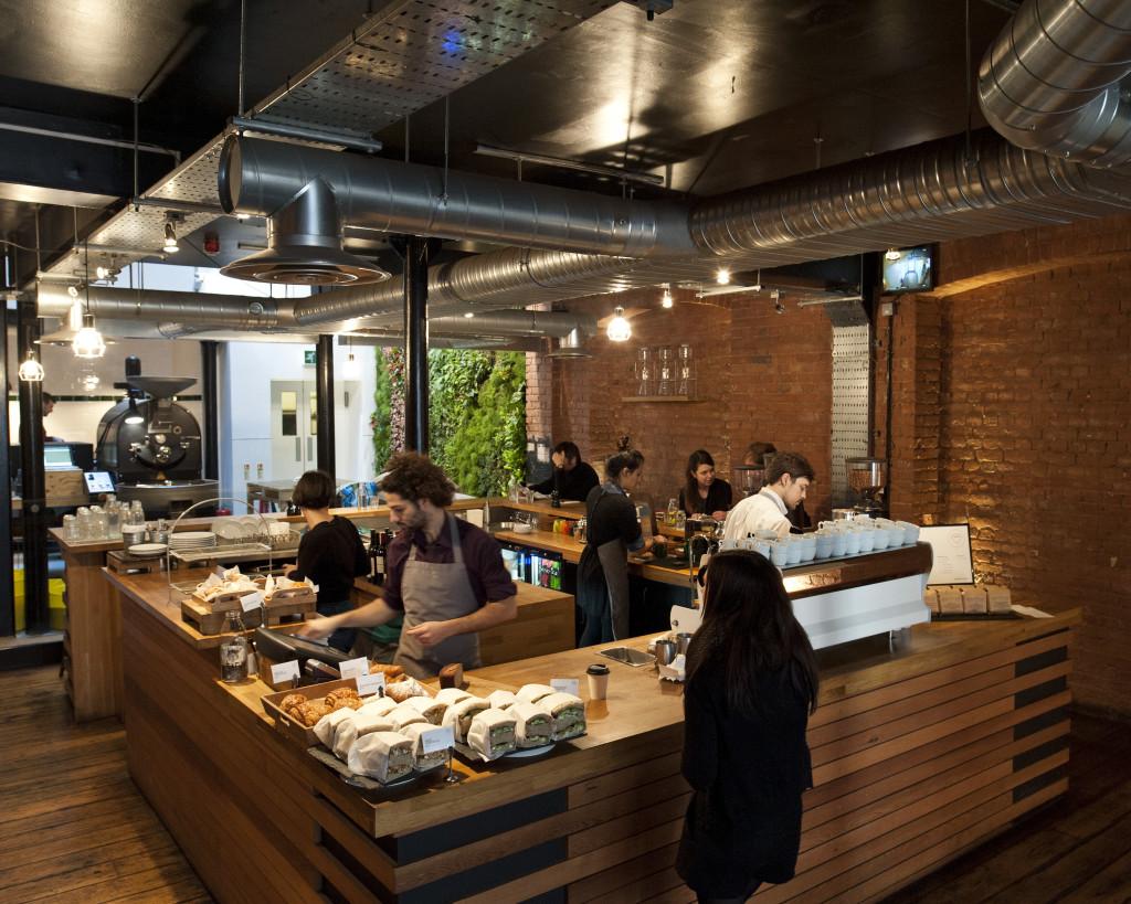 Full rulle på bästa självständiga caféet i Europa. Foto: Leo Bieber