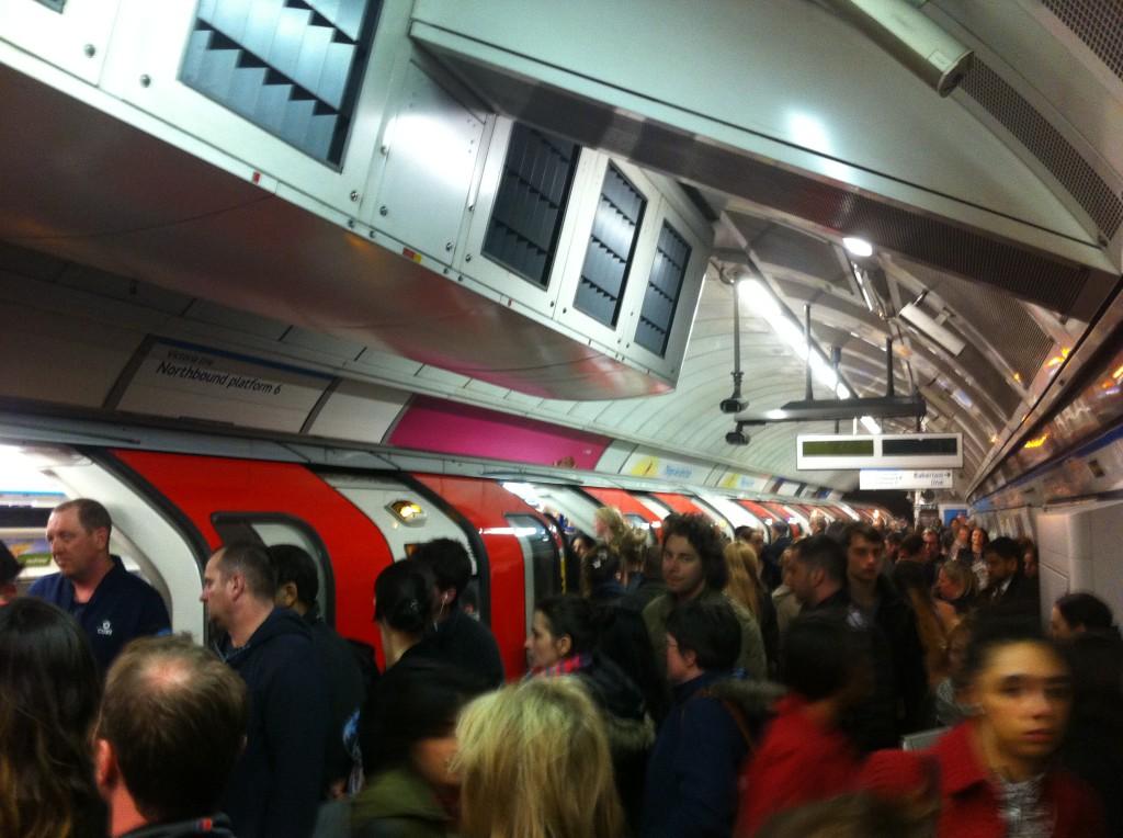 Kaos i tunnelbanan - nu även på helgnätter!