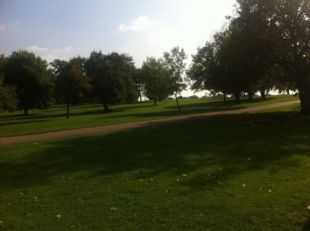 Vår eller höst? I Finsbury Park, där jag tränar flåset inför vintern, är det svårt att avgöra.