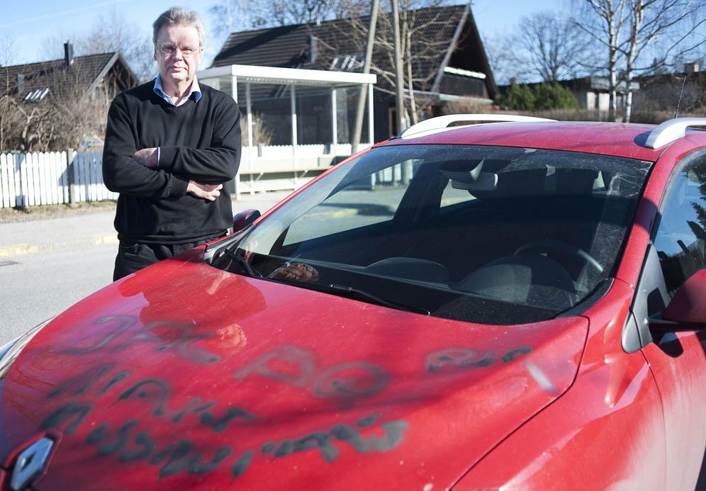 Håkan Jarmar fick huset och bilen nedkletat med avföring.