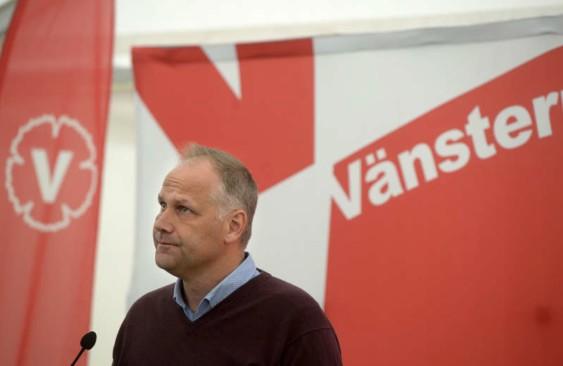 Jonas Sjöstedt (V) under sin pressträff i går. Foto: Urban Andersson.