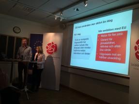 Jan Larsson och Marita Ulvskog på S> presskonferens.