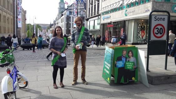 MP:s lokala språkrör i Oslo och initiativtagarna, Sabina Syed och John Slinning Jannesso.