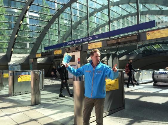 Henrik von Sydow kampanjar i London.