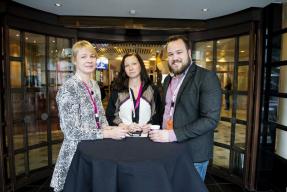 Elisabeth Mossberg, Hanna Ahnqvist och Tomas Selin på Lärarförbundets kongress.